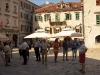 Turisti in piazza a Cattaro