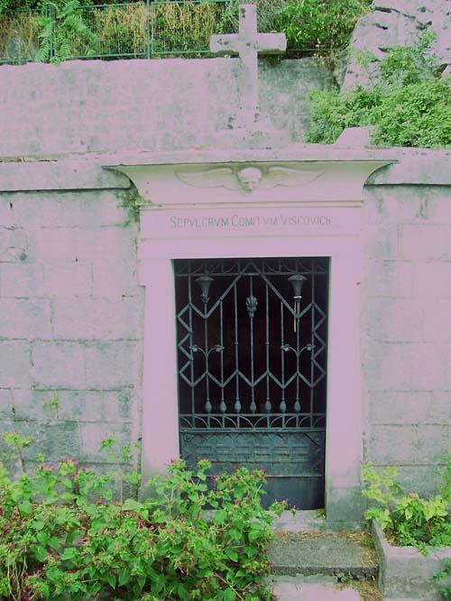 Tomba del Capitano Viscovich